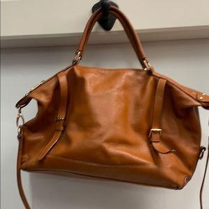 Great satchel with shoulder strap